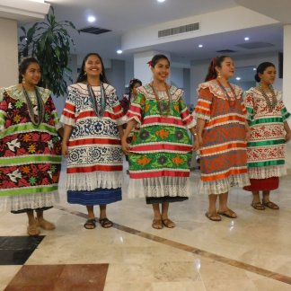 Photos: Extended Study Program exploring the textiles and traditions of Mexico