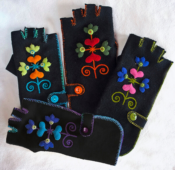 Fingertip Gloves: Deborah Tirico