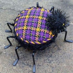 Free Project: Halloween Plaid Spider Chart