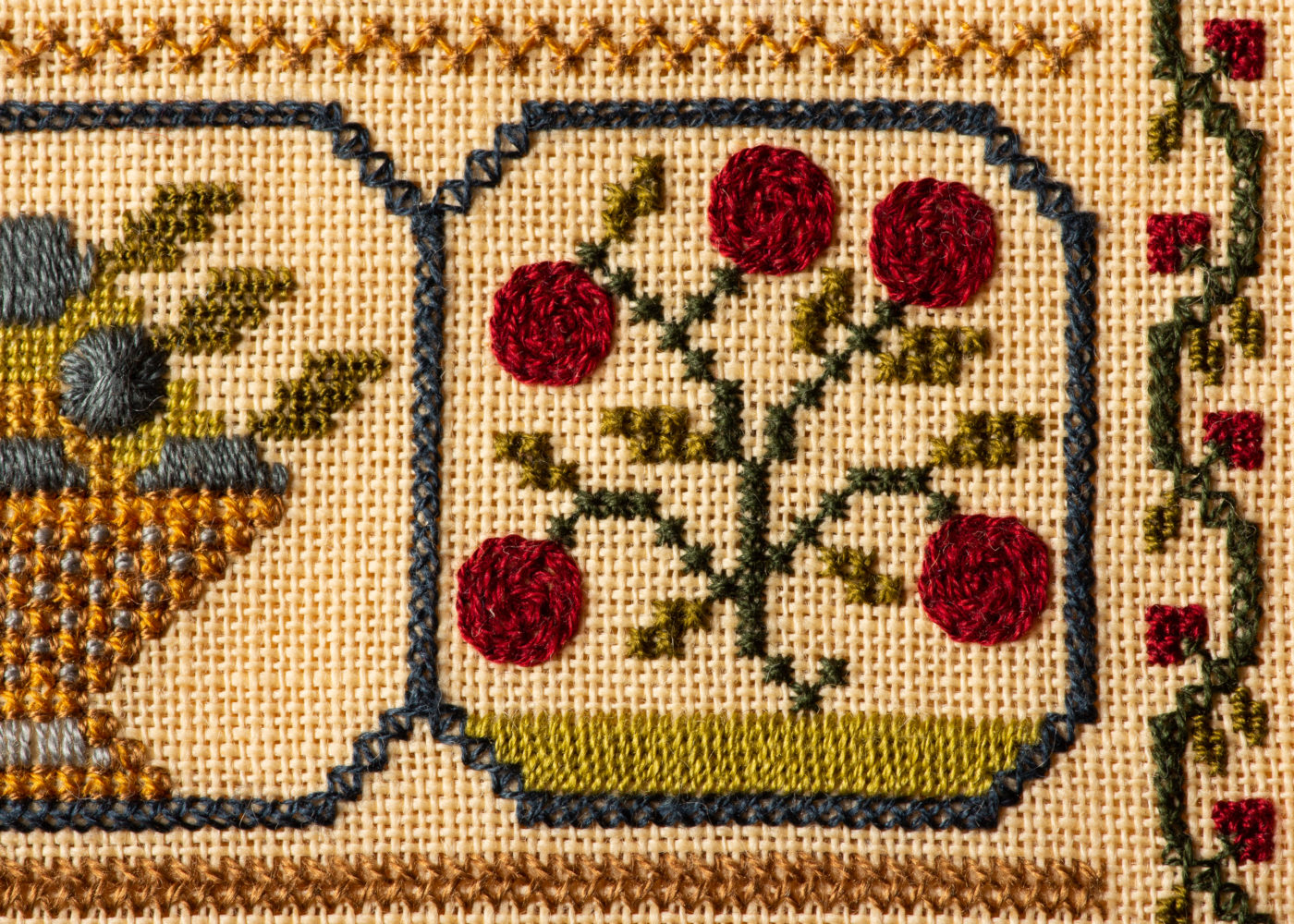 """HAND PAINTED WOODEN FRAME for CROSS STITCH 4/"""" x 5/"""" Design Area Leather Cord RED"""